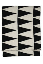21380T Impressa Throw - Black/White